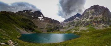 Muzelle lake and Lauvitel lake